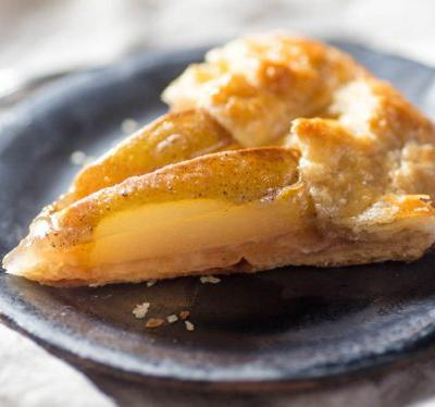 Simple Pear Galette With Vanilla