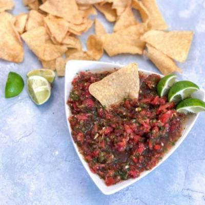 Quick and Easy Garden Fresh Salsa