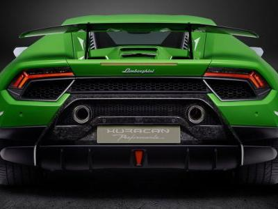 Facelifted Lamborghini Huracan May Get Four-Wheel Steering