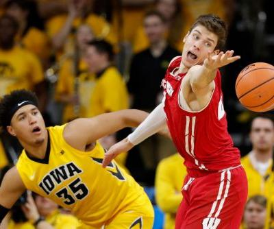 Garza, Cook lead Iowa past Wisconsin 85-67