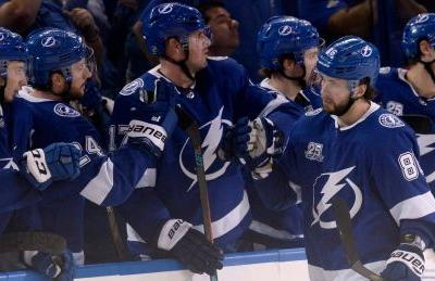 Lightning's Nikita Kucherov strikes twice to down Oilers