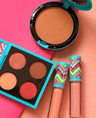 New From MAC and Patrick Starrr: The MAC Summer Starrr Kit and Hot and Heavy Face Powder