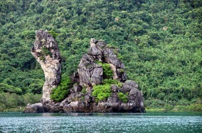 Bai Tu Long National Park - natural treasure