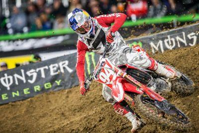 Fourth Annual Monster Energy Supercross Military Appreciation Auction Features Race-Worn Gear, New Bikes, and More from San Diego Round of 2017 Season