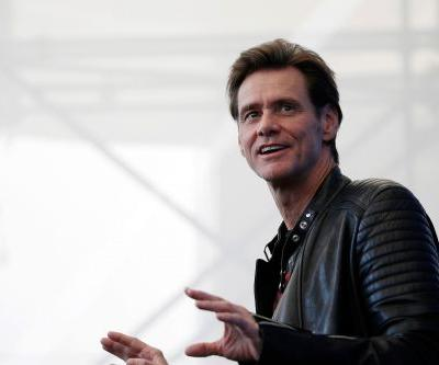 Jim Carrey urges people to delete their Facebook accounts