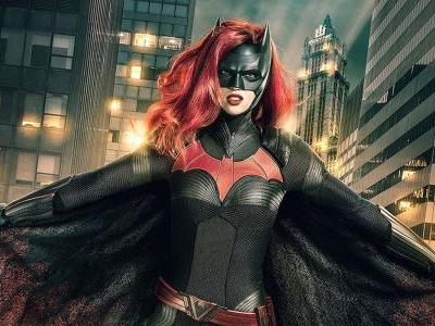 Arrowverse Crossover Photo Reveals New Look At Ruby Rose's Batwoman