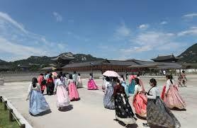 Number of foreigners visiting South Korea shoots up in July by 24%