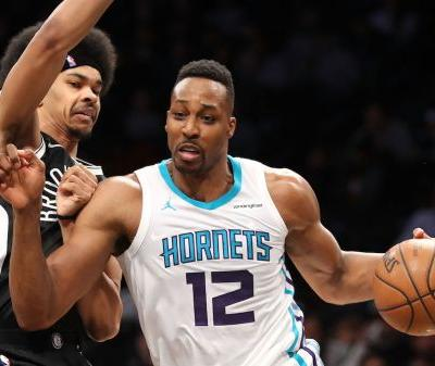Dwight Howard Leads Hornets With 32 Point, 30 Rebound Game