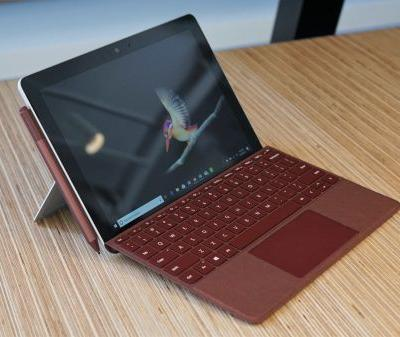 Recommended Reading: Microsoft bets big on a smaller Surface