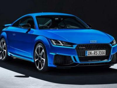 Audi TT RS Facelift Shows Sharper Design