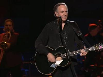 Neil Diamond Announces Immediate Retirement From Touring Due to Parkinson's Disease