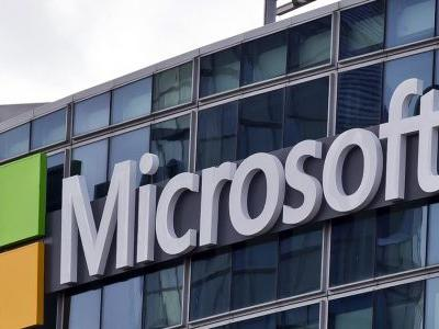 Microsoft fights US in high court to protect global business