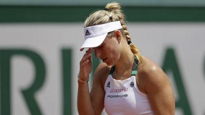 Kerber first French Open top seed to lose in opening round