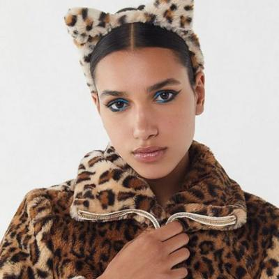 18 Halloween Hair Accessories That Will Make Any Costume Look Cool