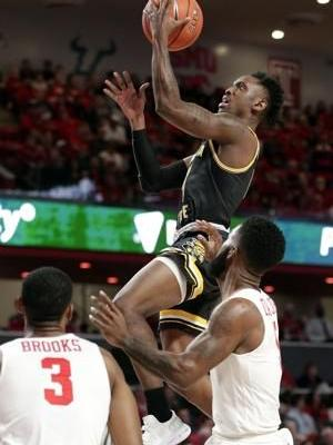 Davis, Brooks lead No. 17 Houston past Wichita State