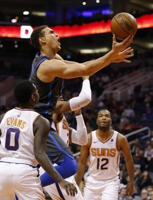 Nowitzki returns but Mavs lose to Suns 99-89