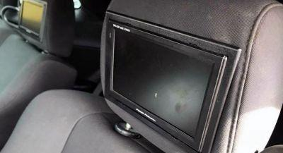 Challenger Owner Placed Front-Facing Screens On All Four Headrests