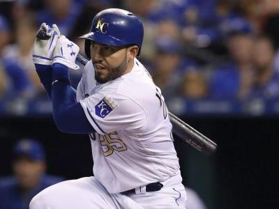 Reports: Padres sign first baseman Eric Hosmer to 8-year deal