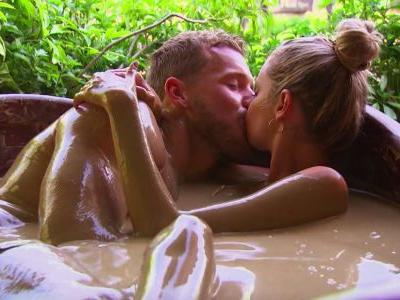Colton Underwood's Body Language With Hannah G. On Their One-On-One Date Is Steamy