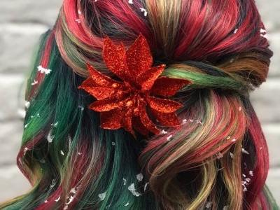 This Photo Of Christmas-Inspired Hair Proves You Can Look Festive & Fabulous All At Once