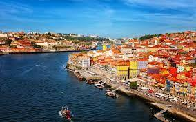 Portugal gives lease its historical buildings to promote tourism