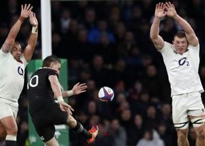 All Blacks hold on for 16-15 comeback win over England