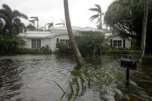 Weakened but dangerous Irma lashes Florida with wind, rain