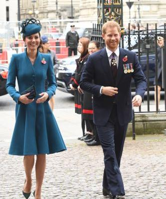 These Photos Of Prince Harry & Kate Middleton Laughing At Anzac Day Service Are So Sweet