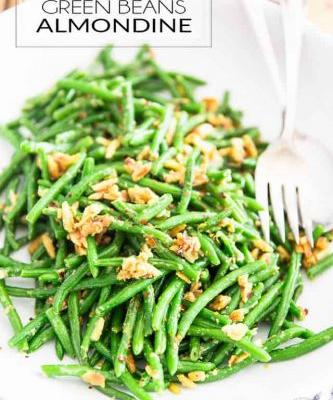 Cheesy and Buttery Green Beans Almondine