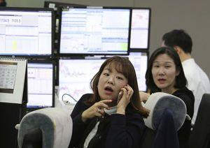 Global stocks higher, oil prices steady