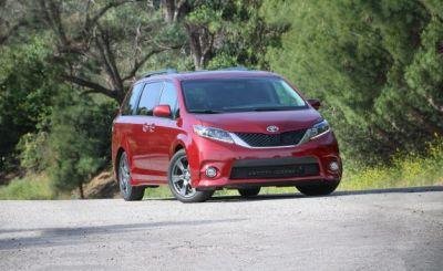 2017 Toyota Sienna FWD Tested: Hanging in There