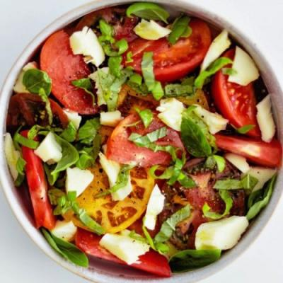 Low-Carb Caprese Salad