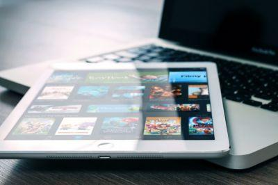 Top Apple insider says brand new iPad with edgeless display will launch this year