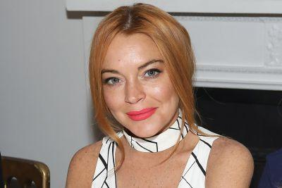 Lindsay Lohan just 'educating herself' on Islam