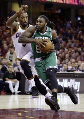 Cavaliers' J.R. Smith questions LeBron James' confidence, demands more aggressiveness after stunning Game 3 loss to Celtics