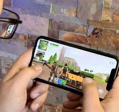 You can play how many Fortnite games through Mint Mobile?
