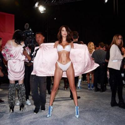 The Best Behind-The-Scenes Moments From the Victoria's Secret Fashion Show 2017