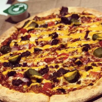 This Domino's UK Cheeseburger Pizza Topped With Ground Beef & Pickles Looks So Good