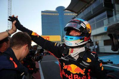 Race Report: Ricciardo Shoey's his way to victory in Baku