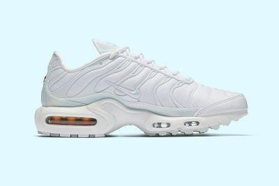 """Nike Gives the Air Max Plus Ultra a Cool """"Ice Blue"""" Makeover"""