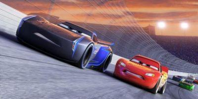 New Cars 3 Trailer Gives Us Our Best Look Yet At Lightning McQueen's New Rival