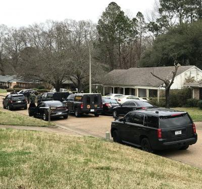 Nearly 12-hour standoff in Mississippi ends with 'multiple fatalities', according to police