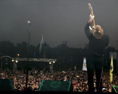 Spoon steals the show after a spectacular skydive at ACL Fest