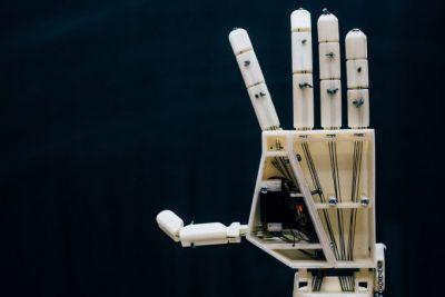 This 3D-printed robotic arm is built for sign language