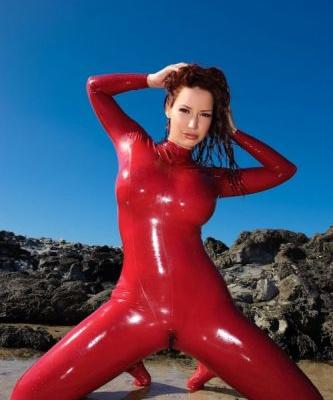 Wetswimsuitsextoy:New guest get fun in red rubber special games