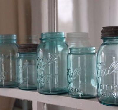 30 home decorations no one over 30 should own