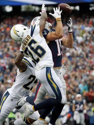Patriots capitalize on Chargers' mistakes in 21-13 win
