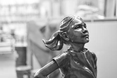 There's Now a Statue of a Fearless Little Girl Staring Down Wall Street's Charging Bull