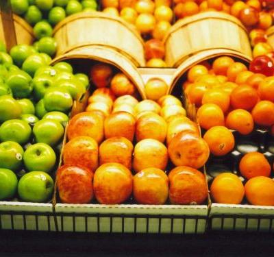 Police: Man rubbed produce on bare behind, put it back