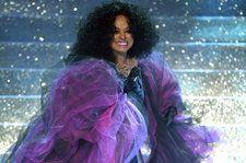 Diana Ross Accepts Lifetime Achievement Award, Performs Medley of Classics at the 2017 AMAs